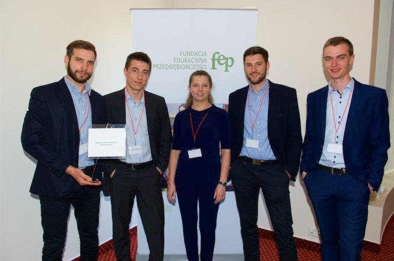 Studenci z Wrocławia najlepsi w zarządzaniu