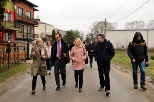 Andrew Nagorski i Joanna Lempart-Winnicka z członkami Stowarzyszenia W.A.R.K.A.