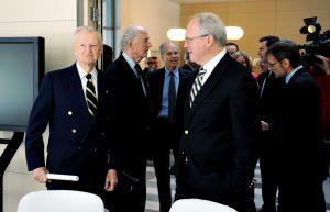 Prof. Zbigniew Brzeziński, John P. Birkelund, Joseph C. Bell, Christopher Hill, Ambasador USA Lee Feinstein, Jerzy Koźmiński