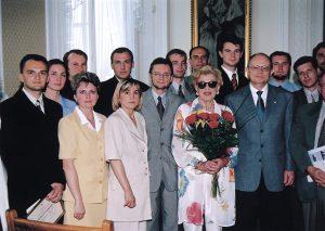Irena Kirkland, Marszałek Marek Borowski i Jerzy Koźmiński ze stypendystami Programi Kirklanda