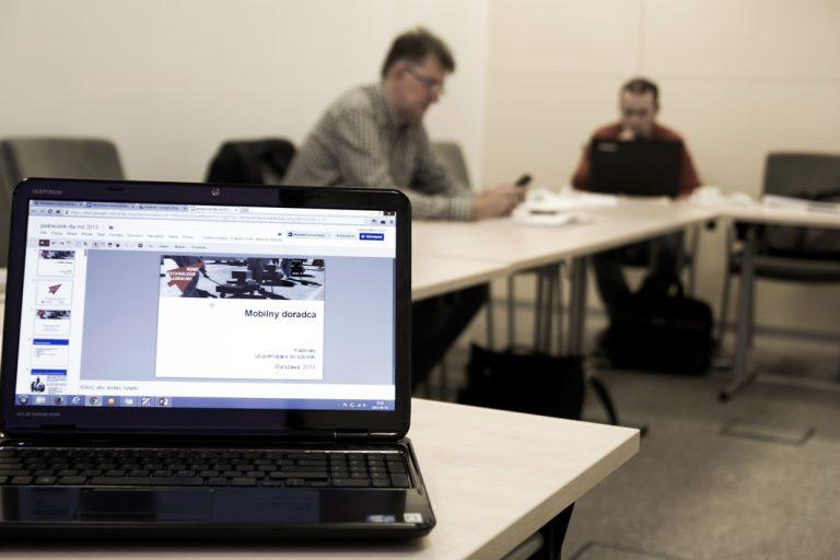 """""""Nowe Technologie Lokalnie"""": szkolenia i granty"""