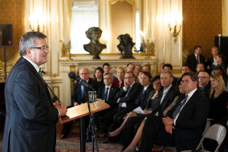 Uczestnicy Polsko-Amerykańskiej Inicjatywy Stażowej spotkali się z Prezydentem Komorowskim