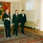 Generał John Shalikashvili, ambasador Jerzy Koźmiński, Mariusz Handzlik – Ambasada RP w Waszyngtonie, 1995