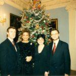 Senator William Cohen, pani Cohen, Irena Koźmińska, ambasador Jerzy Koźmiński – Ambasada RP w Waszyngtonie, 1996