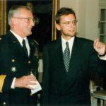 Generał John Shalikashvili, ambasador Jerzy Koźmiński – Ambasada RP w Waszyngtonie, 1995
