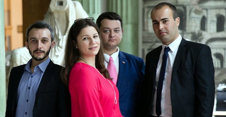 Kolejni stypendyści Programu Kirklanda ukończyli studia w Polsce